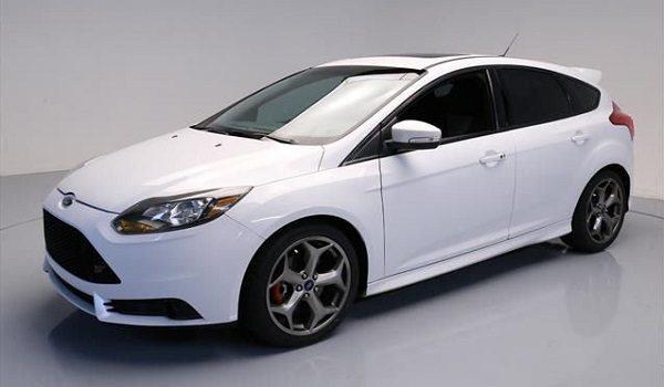 Ford Focus   Visszagurulás gátló  Dizájnos belső tér